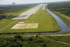 Den 1: NASA Shuttle Landing facility (TTS)