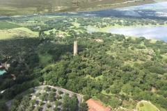 Singing Tower poblíž Lake Wales, Nejvyšší vrchol Floridy 92 metrů nad mořem.