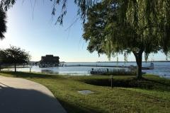 Jezero Dora a základna hydroplánů u městečka Tavares. Naše oblíbené místo pobytu.