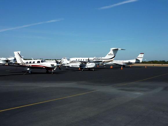 Naše letadlo na letišti ve Vero Beach (KVRB)