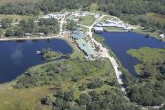 Areál Florida Institute for Neurologic Rehabilitation v blízkosti letiště Wachula (KCHN)