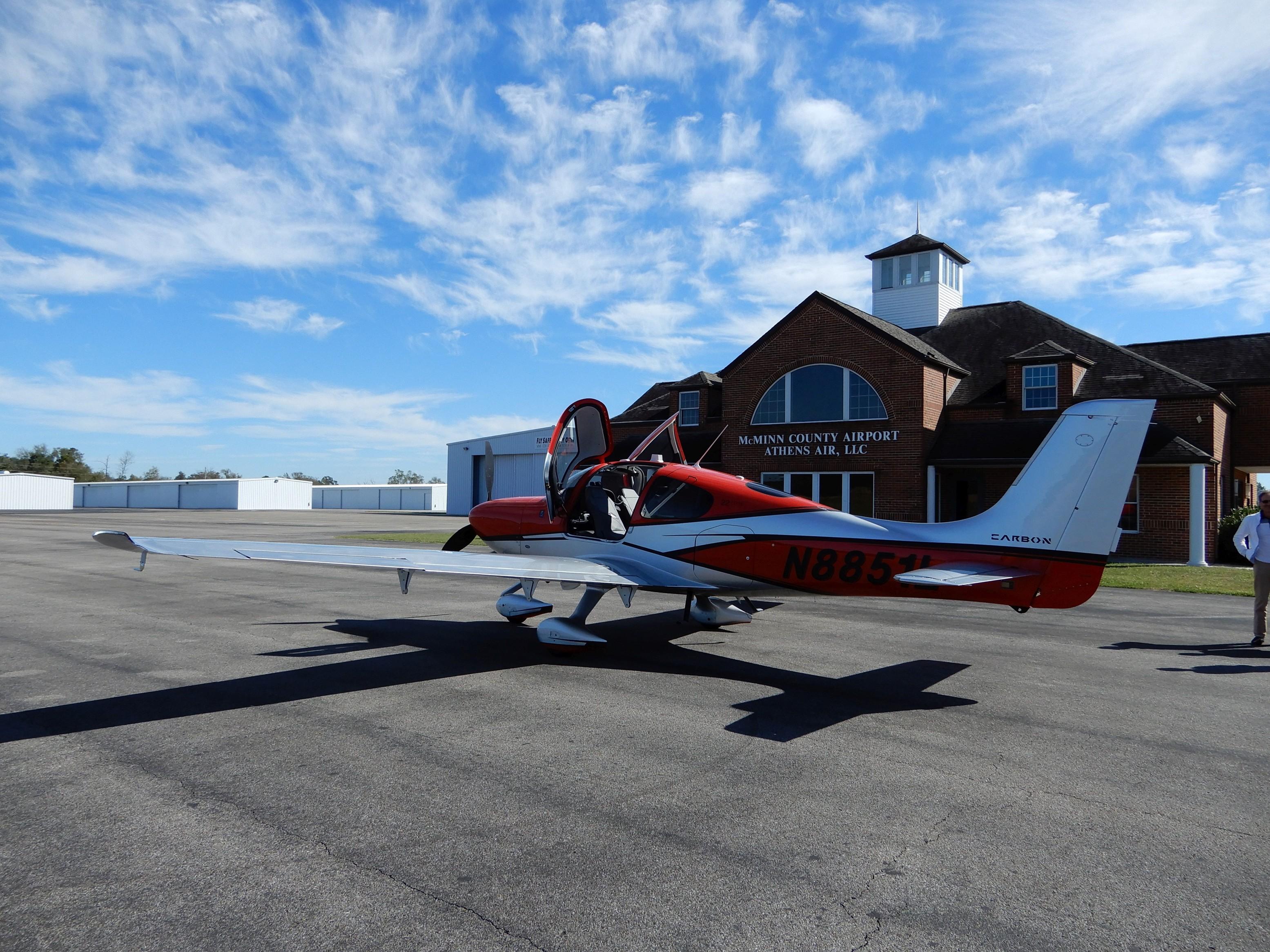 Rozlétání na typu SR-22, Generace 6, předtím než mi společnost Cirrus Aircraft letadlo zapůjčila.