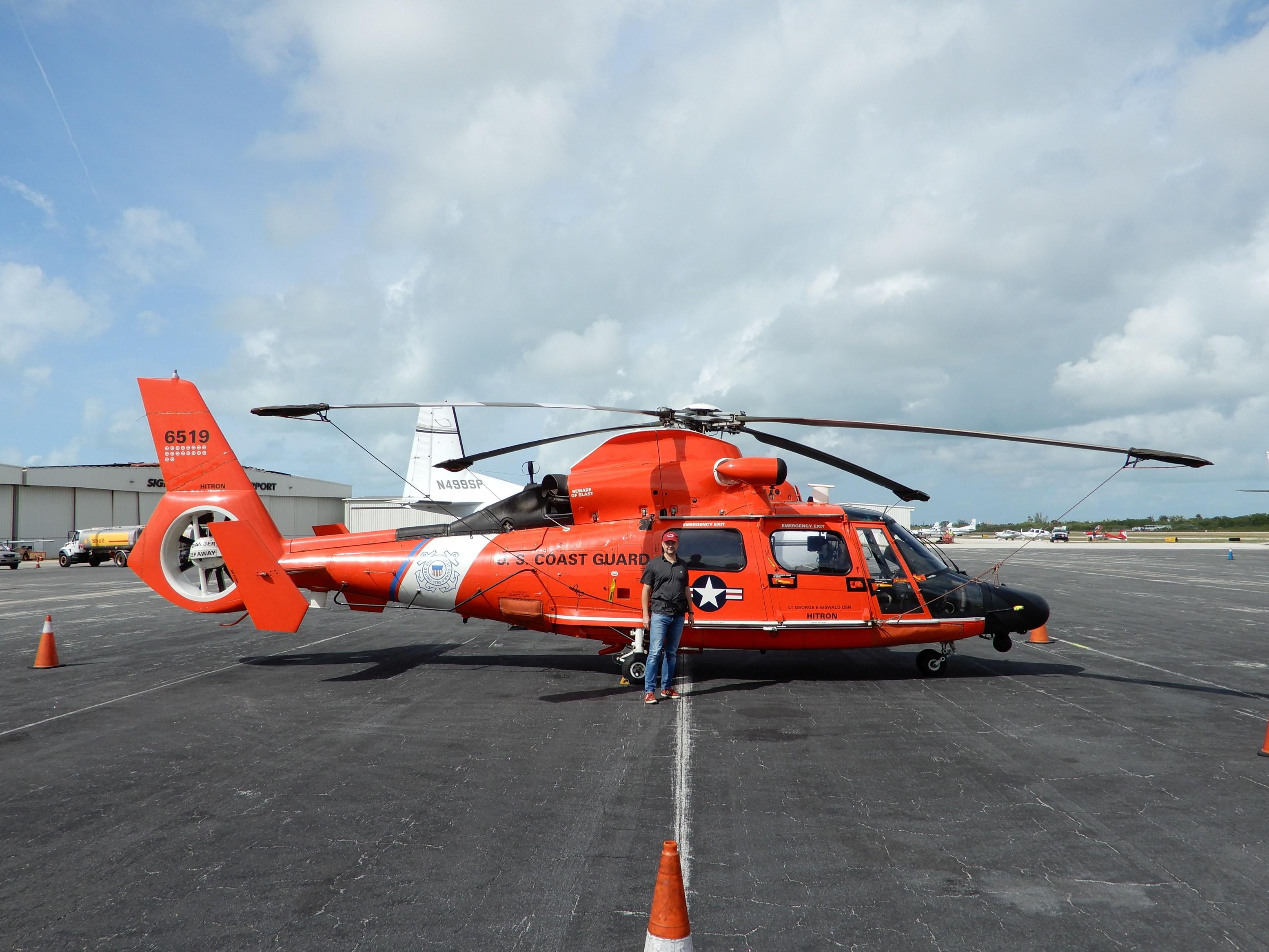 Vrtulník pobřežní stráže na letišti Key West (KEYW)