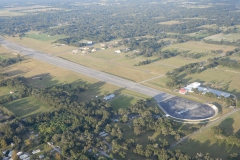 Soukromé letiště Johna Travolty nesoucí název Jumbolair (17FL)