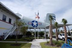 Vstupní objekt do letištního terminálu na Fernandina beach má tvar letadla