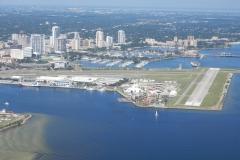 Malebné letiště u Tampy a St. Petersburgu se jmenuje Albert Whitted Field (KSPG)